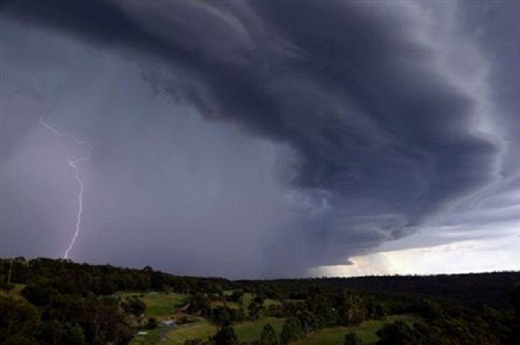 Αυστραλία: Τέσσερις νεκροί από καταιγίδα που προκάλεσε κρίσεις άσθματος