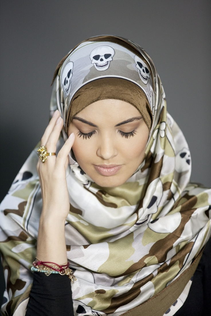 """""""Mijn ambitie is om de Nobelprijs voor de Vrede te winnen. Als president Obama een Nobelprijs kan winnen 'for just being him, we all can win'. Maar ik moet best weleens lachen om mezelf hoor.""""    #hoofddoek #hijab  http://www.hoofdboek.com/"""