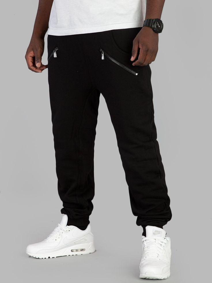 https://www.urbancity.pl/spodnie-urban-classics-zip-deep-crotch-sweatpants-black-tb850-on-5-k-45928-p
