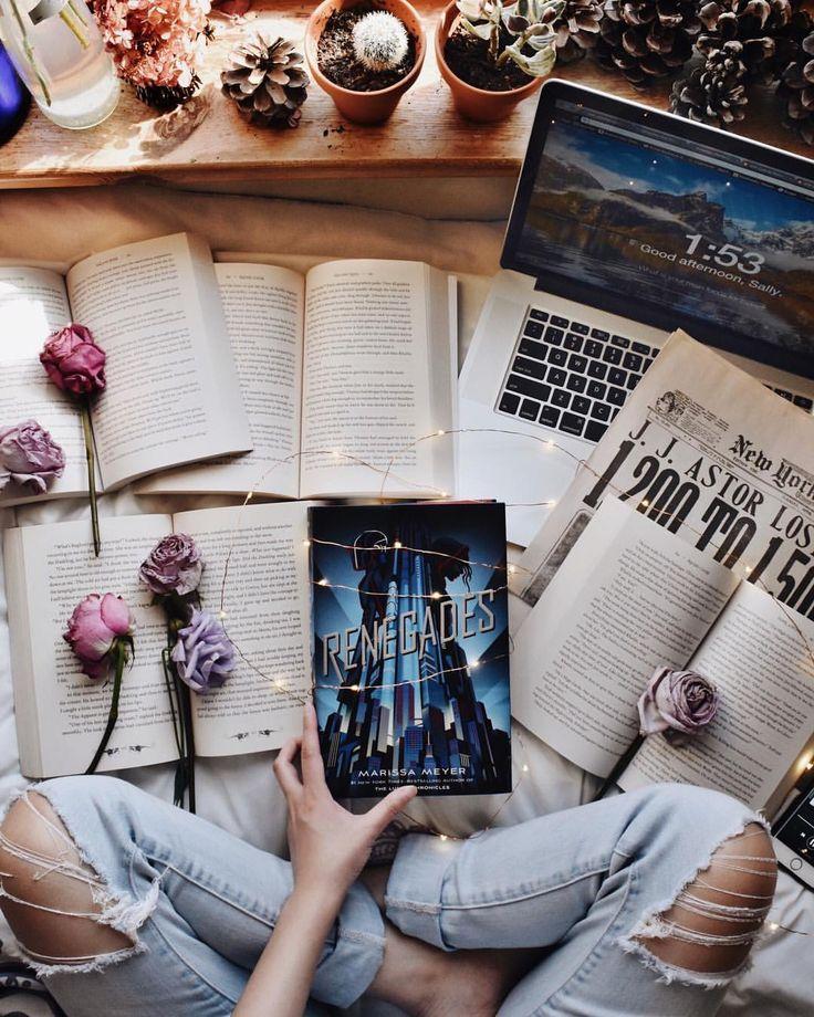 Книги красивая картинка для инстаграмма