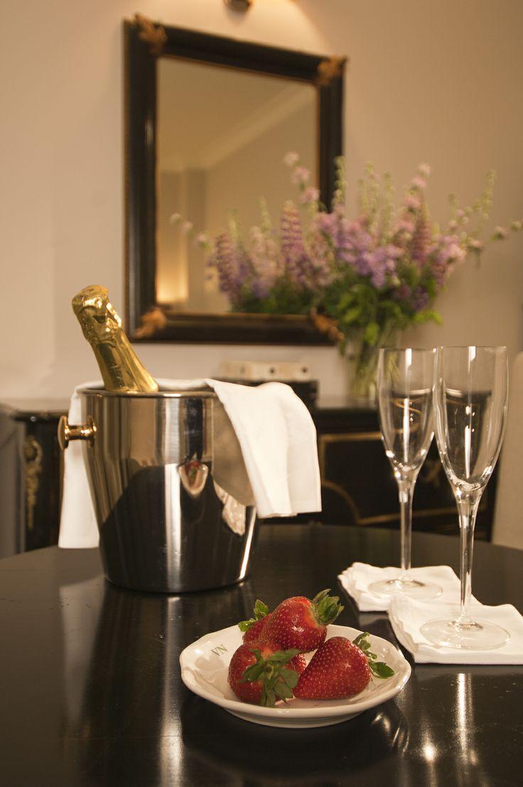 Villa Necchi alla Portalupa Interiors www.villanecchi.it #interior #luxuryhotel #classic #style #design #italianstyle #italia #italy #arredo #room #hotel #luxury #villanecchi #milano #vigevano #pavia #albergo #location #weddinglocation #eventlocation #locationeventi #locationmatrimoni #gambolo