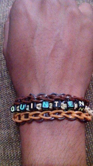 Naam armband Quinten. Gemaakt door KG Loomparty Wil jij ook zo'n armband? KG Loomparty maakt hem op maat voor je voor €3,-
