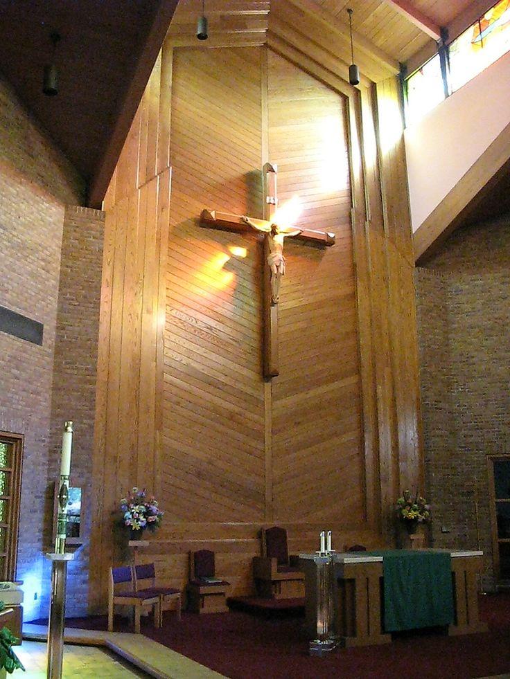 Altar de la iglesia, catolica, de San Judas Tadeo. Se encuentra en Budd Lake, Nueva Jersey, EE.UU.