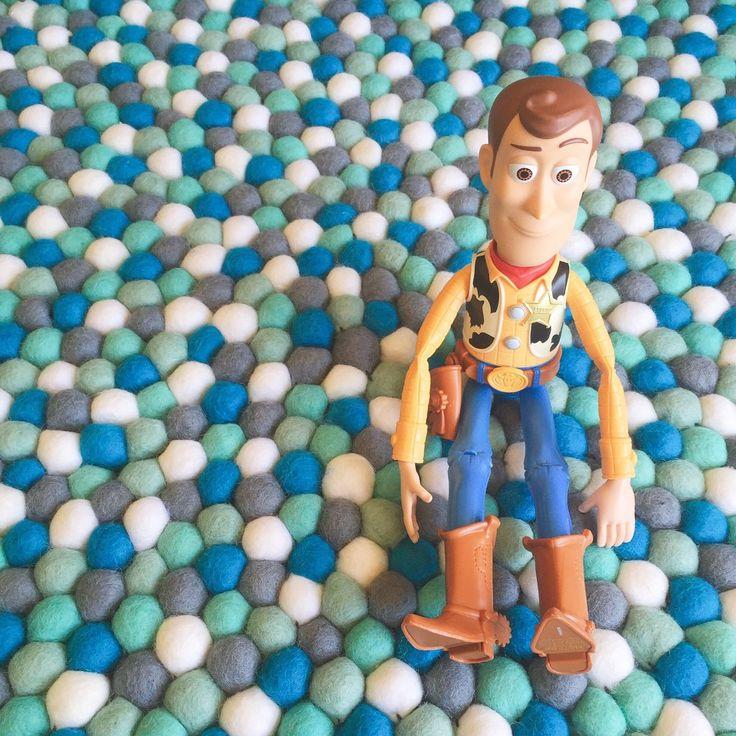 Felt Ball Rug - Aquamarine