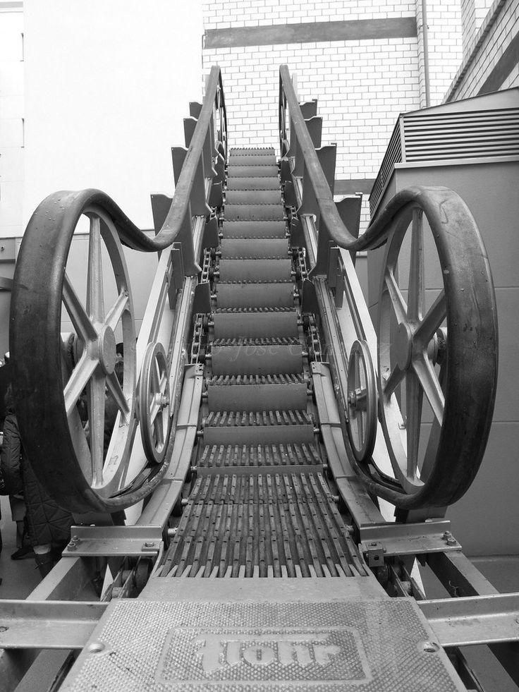 Primera escalera mecánica instalada en los almacenes SEPU de   Zaragoza- Esos otros grandes almacenes que querían ser El Corte Inglés... - Página 3 - SkyscraperCity