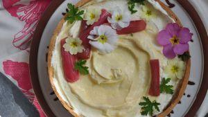 Lilly Higgins: Rhubarb and Custard Cream Pie
