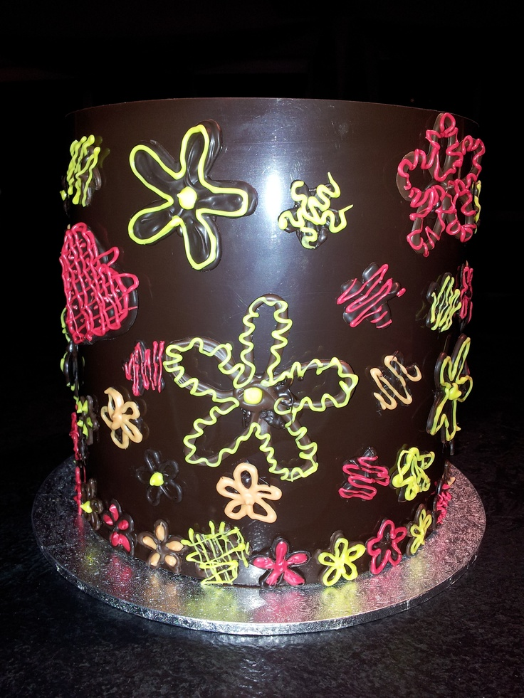 Collar cake with chocolate decorations