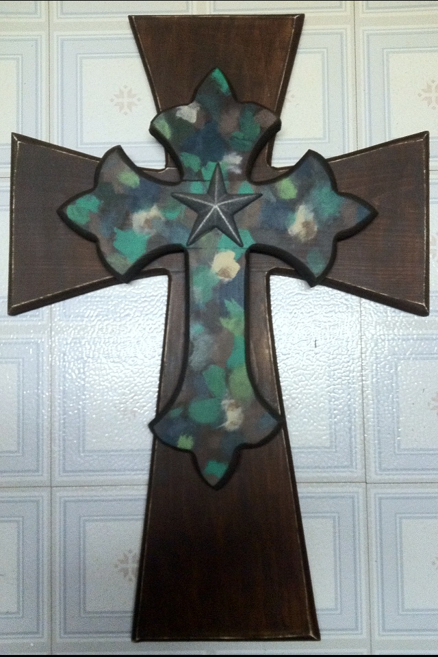 Camo cross.: Country Things, House Ideas, Wood Crosses Crafts, Backwoods Barbie, Layer Inspiration, Unique Crosses, Project Ideas, Camo Cross, Cross Art