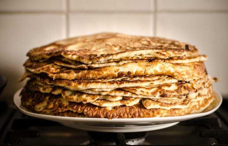 Een super lekkere pannenkoek maken wordt nu wel heel simpel. Met maar 2 ingrediënten maak je lekkere en gezonde pannenkoeken klaar. Bovendien zijn ze ook nog eens glutenvrij en vol van energie en eiwitten! Het enige wat je nodig hebt is een banaan en 2 eieren!  Pannenkoeken maken was nog nooit zo makkelijk. Bijna …