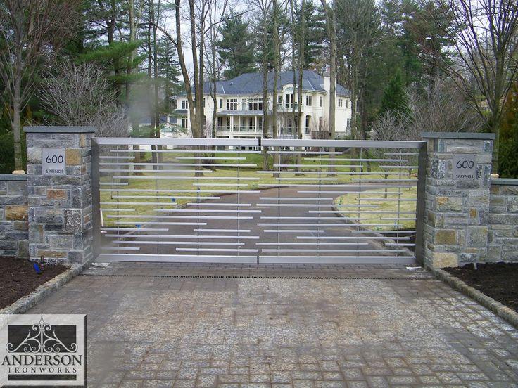 Uw droompoort? Vraag vrijblijvend een offerte voor uw poort op maat bij www.emts.be!  driveway gates modern - Google Search