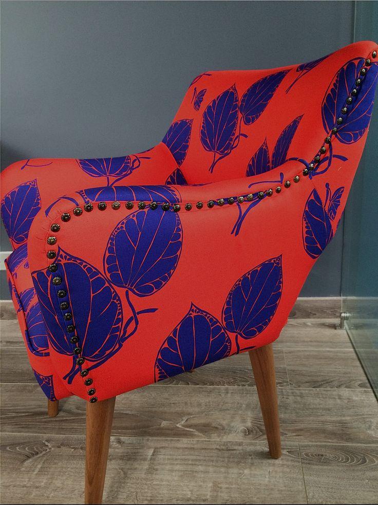 My new chairs/ Mis nuevas sillas. GRETA FOLIA DU #architecture #arquitectura#casa #color #colour #couleurs #design #diseño #decoración #decoration #fabrics #furniture #färg #fabricdesign #hem #home #interiordesign #inredning #möbler #motif #meubles #patrones #patterns #telas #tyger #tissus #wallpaper #interiör Foto de Lotti Haeger Design.