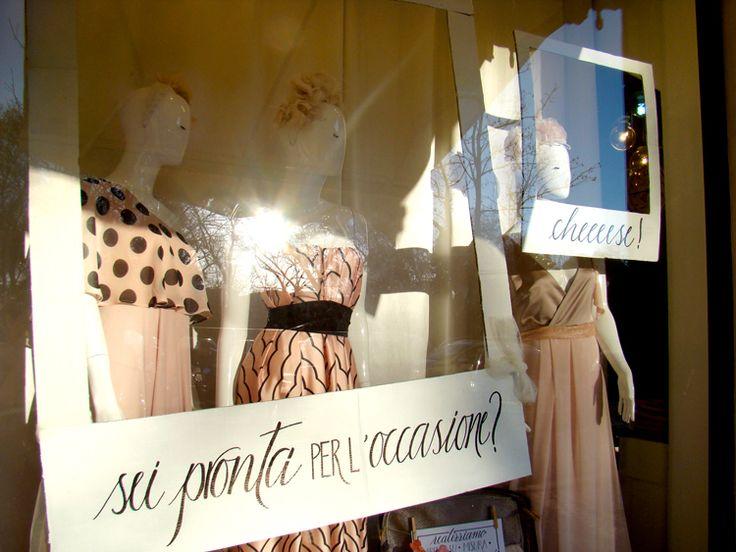 ceremony window idea - shoptellers vetrine con la parlantina - copywriting & calligraphy