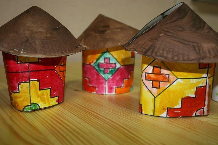 Дома племени ндбеле. Аппликация из бумаги.