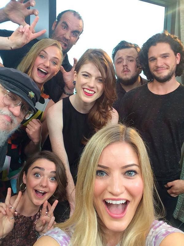 A Selfie of Thrones ~ #GameOfThrones #ASOIAF #GRRM