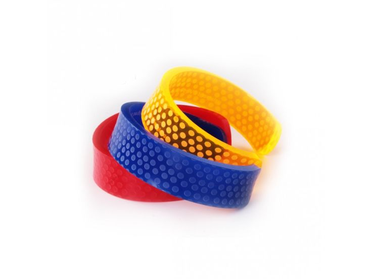 http://www.maketank.it/it/bangle-one-bracciale-apois.html