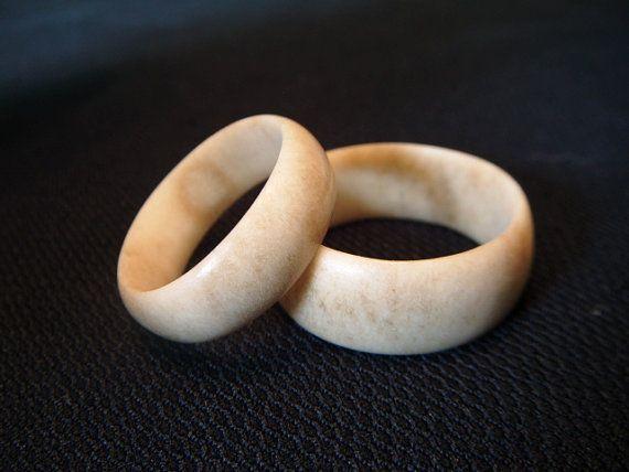 Bague en bois de cerf chevreuil par PureOutdoorCreations sur Etsy