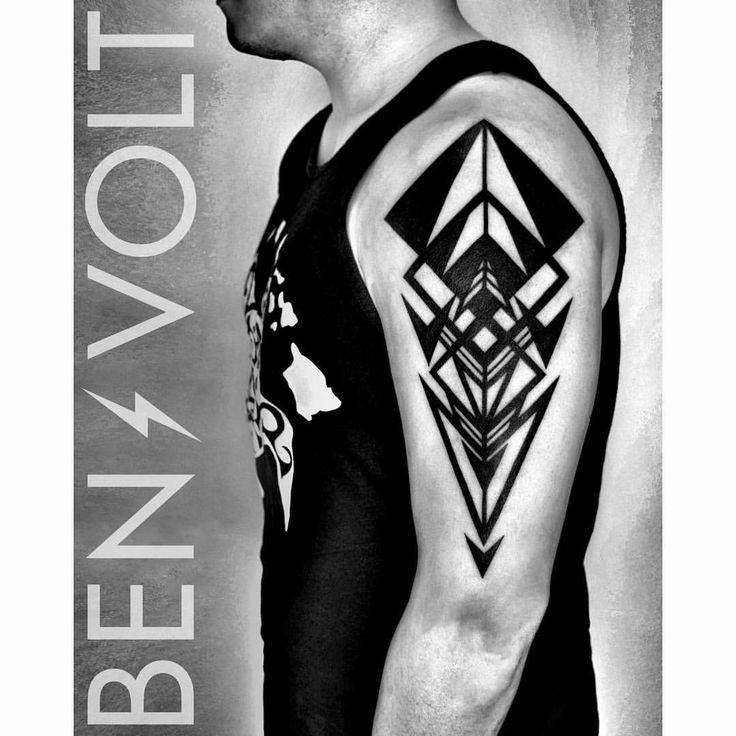 An #abstract #geometric #arrow #compass inspired composition; a dynamic symbol and affirmation of #direction and movement. Whatever light and dark we face on this path called life the most important thing is always keep moving forwards. Thank you Darren! First tattoo! #benvolt #blackwork #tattoo #tattoos #graphicdesign #scholartattoo #sanfrancisco #blackworkerssubmission #blxckink #blacktattooart #equilatera #tattooartistmagazine