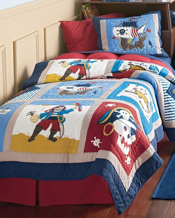 Boys Pirate Bedroom: Pirate Theme Bedding