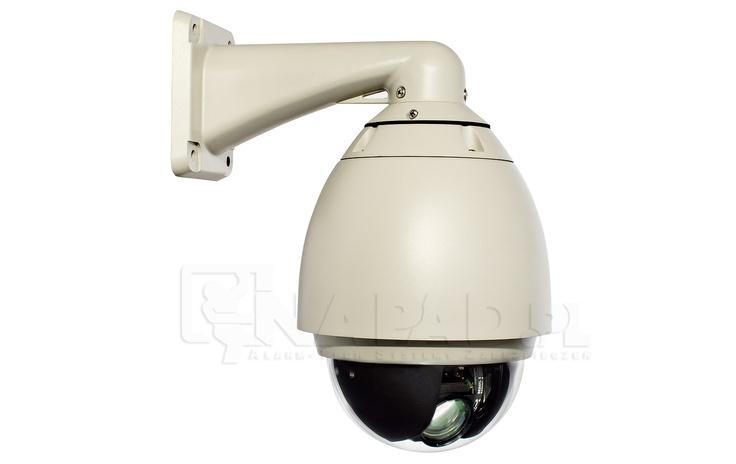 Kamera szybkoobrotowa Samsung SCM-271. Przetwornik 1/4 CCD 550/680TVL Regulowany obiektyw 3.5-94.5mm Funkcje: AGC WDR.  Kamera szybkoobrotowa SCM271 to profesjonalna kamera do monitoringu 24 godziny na dobę. Kamera przystosowana jest do pracy w nocy i posiada inteligentną funkcję dzień/noc. Dostępność menu OSD w języku polskim gwarantuje łatwą obsługę urządzenia. Kamera posiada ponadto wytrzymałą, wandaloodporną obudowę z wbudowaną grzałką i wentylatorem.  Zobacz podobne kamery…