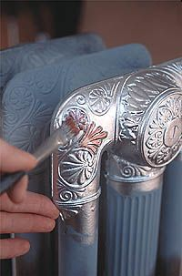 what a beautiful idea... had radiators in German Vogelweh housing... Painting cast iron radiators