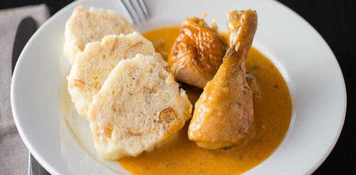 Recepty: Kuře na paprice s houskovým knedlíkem