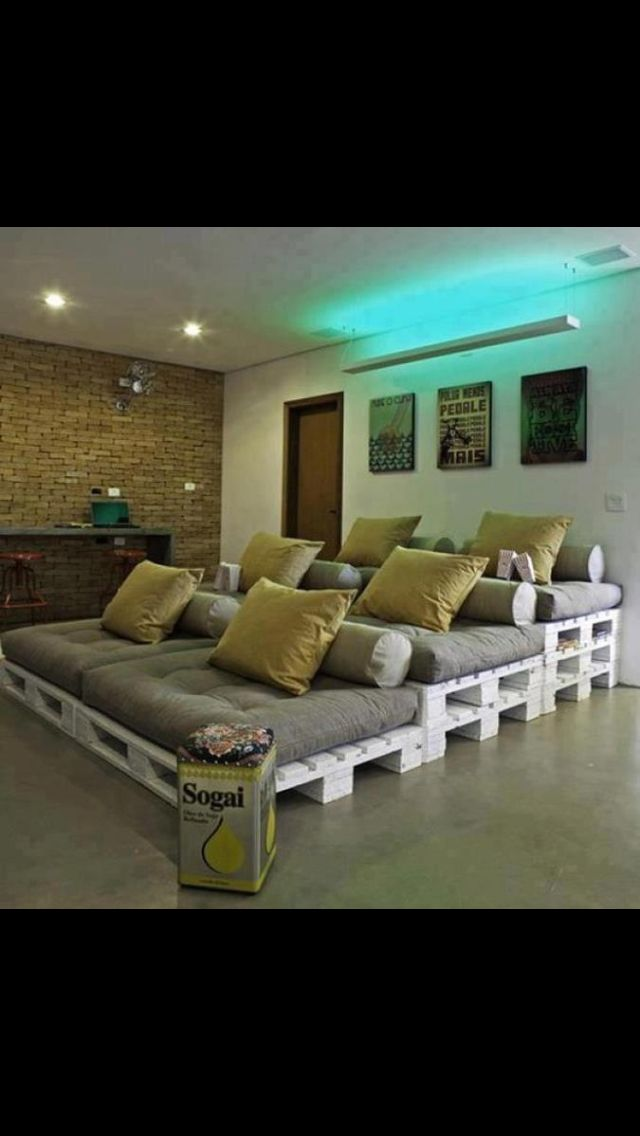 DYI pallet cinema. My husband is going to do this for us!!