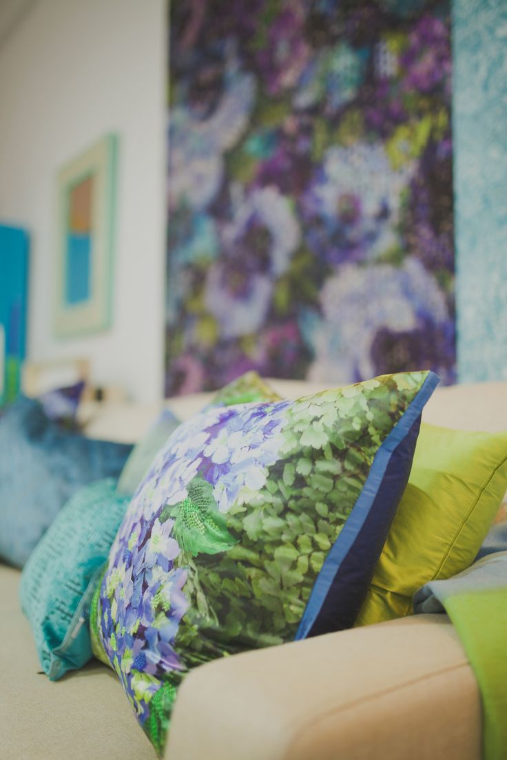 Stunning wallpaper & cushions from Designers Guilds latest collections