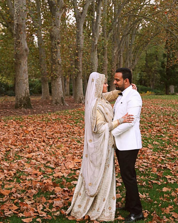 #melbourne #autumn #hijablove #dugun #tesettür #gelinlik #tesettur #weddinginspiration #hijab #hijabi #hijabers #hijabfashion #saree #hijabstyle #hautecouture #makyaj #elbise #hijablook #tesettur #gelinlik #nikah #sari #abiye #gelin #hijaboutfit #muslimah #bollywood #bayangiyim #couture by bbphotofilms