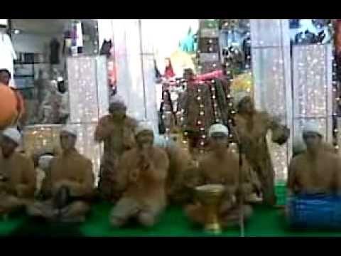 arawis Ya Nabi Salam Alaika, lagu marawis Ya Nabi Salam Alaika. marawis adalah alat seni populer yang berada di indonesia. banyak orang mulai menyukai maraw