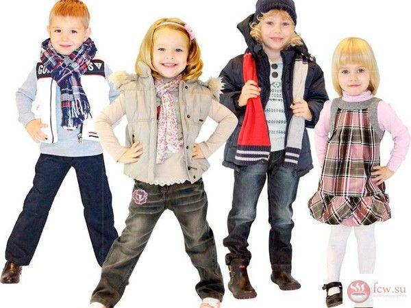 Детская одежда. Как сэкономить при покупке? https://www.fcw.su/blogs/moi-rebenok/detskaja-odezhda-kak-syekonomit-pri-pokupke.html  Многим знакома ситуация: потратили много времени на изучение ассортимента детского торгового центра, а в итоге ушли с пустыми руками, поскольку цены кусаются. Если вы относитесь именно к этой категории родителей, давайте попробуем разобраться, можно ли сэкономить на детской одежде.