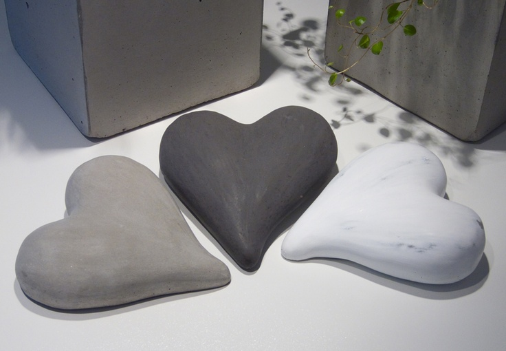 Another heart mold, large heart in concrete