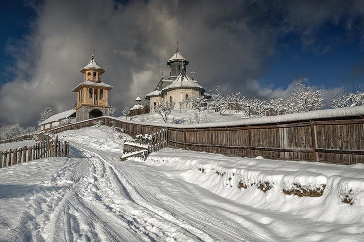 "500px / Photo ""Winter in Romania"" by Dumitrescu Catalin"