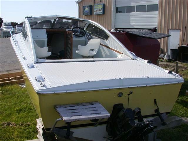 39 best aluminum runabouts nd classics images on pinterest boats httpboatpartsandsuppliesboatwindshieldsp has some information swarovskicordoba Image collections