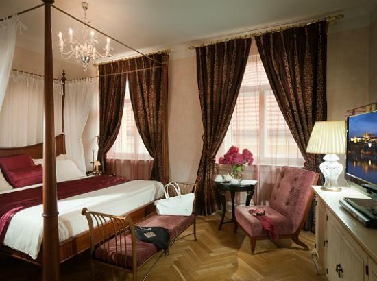 Mamaison Suite Hotel Pachtuv Palace Prague   ViaggiVip