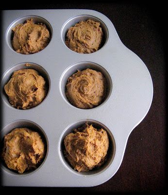 Healthy 2 Ingredient Pumpkin Spice Muffins | food | Pumpkin
