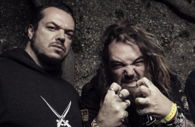 Ex-SEPULTURA Members MAX And IGOR CAVALERA To Perform Entire 'Roots' Album For 20th Anniversary