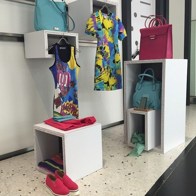 """Spazio PopUp #donnevincenti #popup #newcolors #windowdisplay #SpringSummer2015 #igersforfashion #instaglam"""