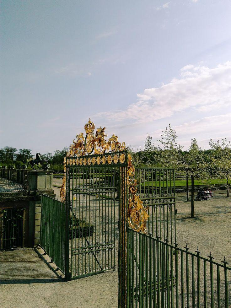 Drottningholm - Modest vagabond- lifestyle, podróże