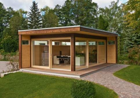 """Modernes Luxus-Gartenhaus aus Holz: """"MyLounge XL"""" von Hummel dient als Gartenbüro, Privat-Spa oder Rückzugsort im Grünen"""