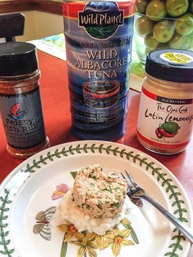 Tuna protein salad over cottage cheese puree or soft for Protein in fish