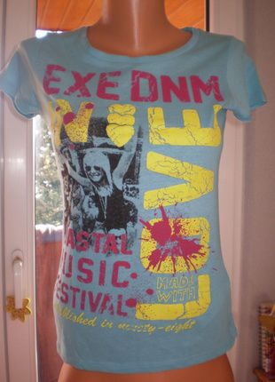 Tričko EXE s nápisy a obrázkem