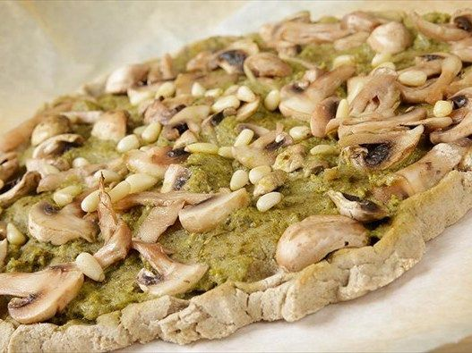 i-rena: Χορτοφαγική πίτσα χωρίς γλουτένη με σάλτσα πέστο κ...