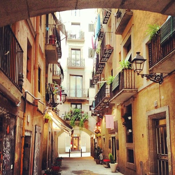 15 best day itineraries two days in barcelona 20 images on today you can lose yourself in the gothic quarter and if its friday or saturday you can whet your appetite on a barcelona walking tours gourmet which solutioingenieria Choice Image