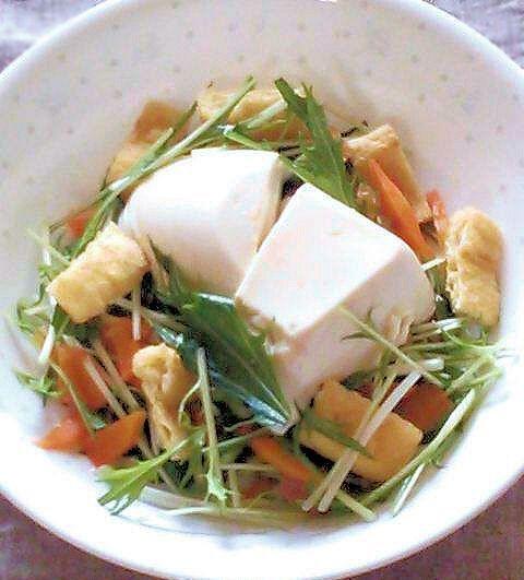 ダイエット中なのでお昼はこんな感じ~ - 42件のもぐもぐ - 豆腐と水菜と油揚げのサラダ by december01