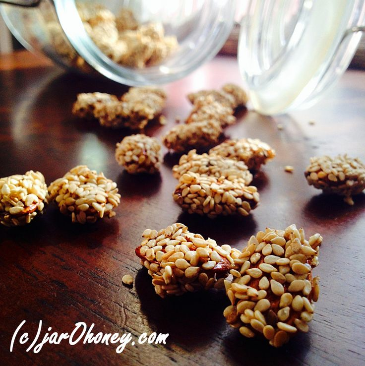 Sesame Honey Almonds (raw paleo) #glutenfree #snacks #recipe