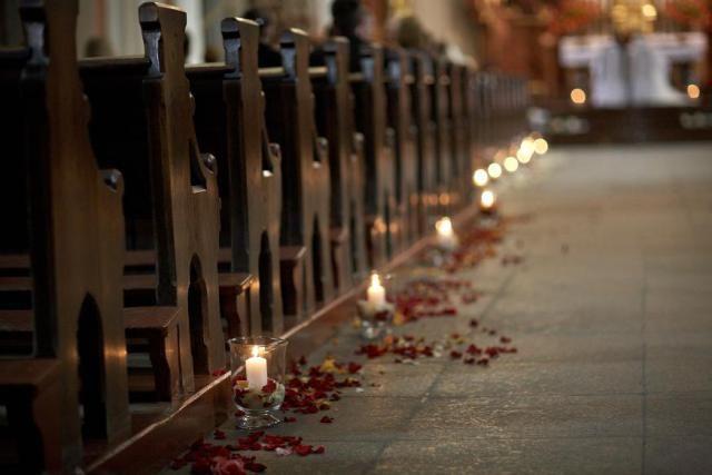15. Peony Wedding,Ceremony decor,Church decoration / Wesele pachnące piwonią,Dekoracja ceremonii,Dekoracja kościoła,Anioły Przyjęć
