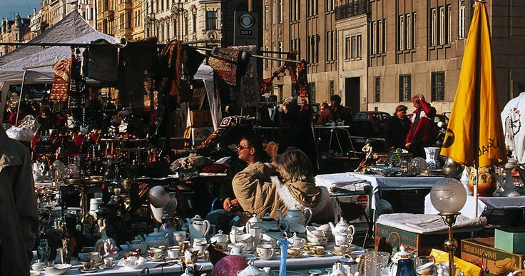 Buying an antique to take home is also popular amongst visitors to Vienna. A rummage around the flea and antiques markets can unearth all sorts of rarities.