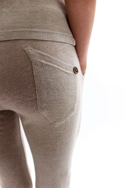 100% Organic Hemp Pants that cools the body in summer and makes it warm in winter. Because of the flat structure of the fibers, bacteria have no chance to develop. Thats why hemp never smell bad, like clothes from cotton or synthetics.