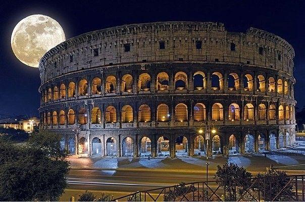 Ночь над Колизеем, Рим, Италия #Туризм #Путешествия #Мир #Отдых #Страны http://travelito.ru/