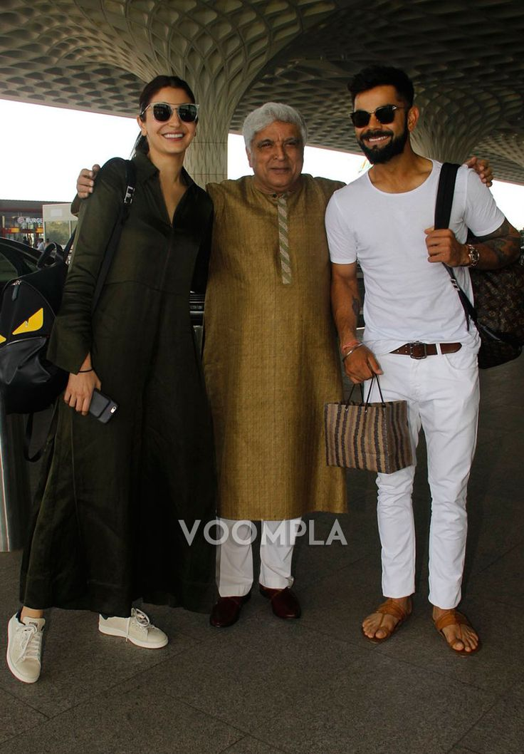 Love is in the air! So sweet... Anushka Sharma and Virat Kohli share a cute moment with Javed Akhtar. Click Here >> Voompla.com